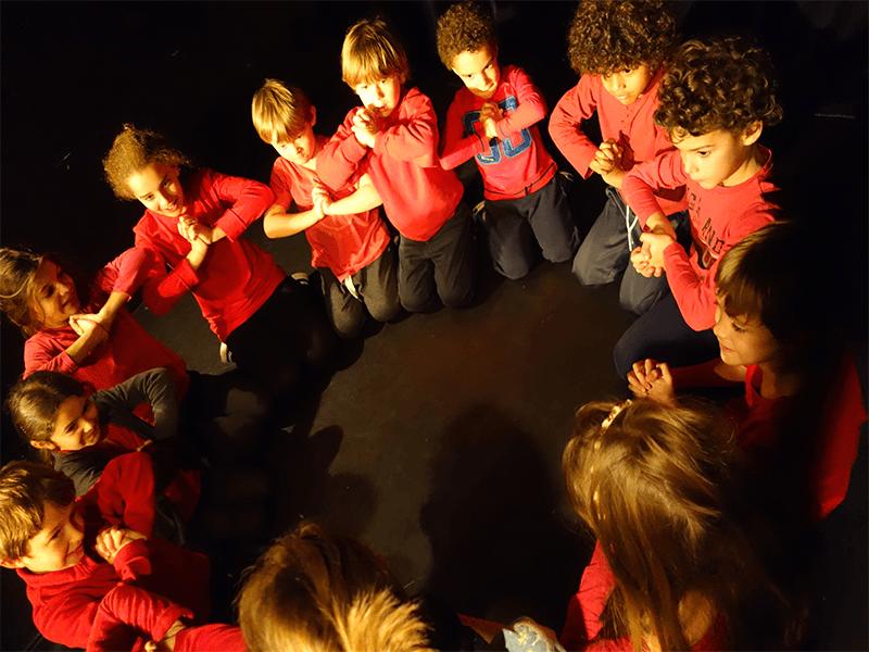 Stage enfants, vacances Toussaint, Hip-hop, Hiphop, Comédie musicale, Théâtre, Danse, Chant, Clown, Slam, Octobre 2017, 23-27 october, 30 octobre, 3 novembre, 5-11 ans, petites vacances scolaires, ateliers, cours, activités enfants, éveil, 5-11 ans, Paris 11e, Paris11, 75011, 75012, Paris12, 12e, 75020, Paris 20, 20e, 2017-2018, Compagnie Maya